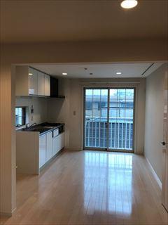 No150. 3世帯住宅を2世帯用に整える施工前2