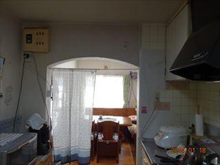 NO100.白で明るく洗練されたキッチンに施工前1