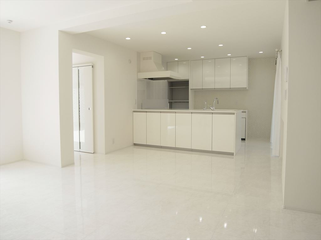 NO105.ホワイトを基調にした明るく高級感のある空間